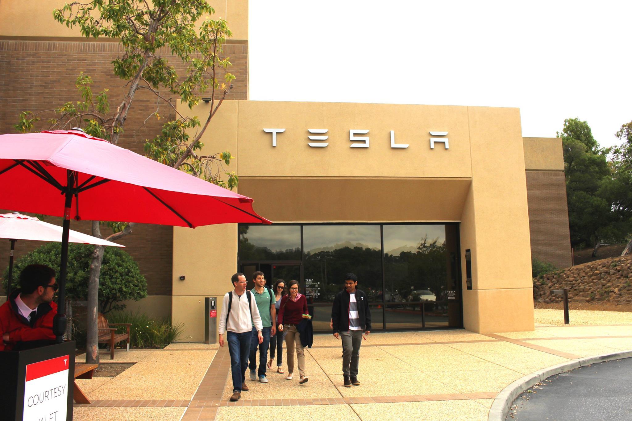 Tesla本社